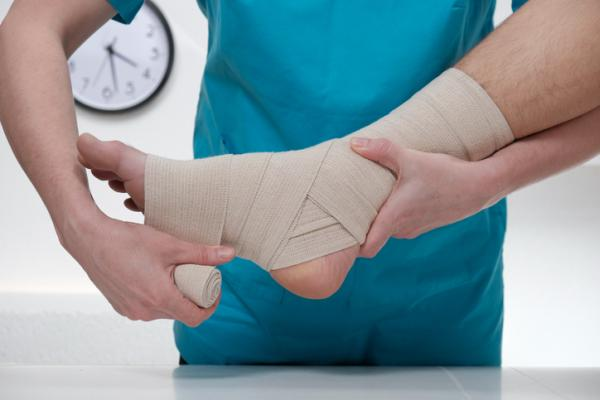 Cómo quitar el dolor de tobillo - Cómo quitar el dolor de tobillo rápido