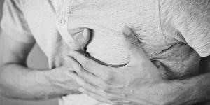 Presión en el pecho después de comer: causas
