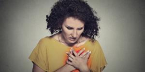 Cuáles son los síntomas de un infarto en mujeres