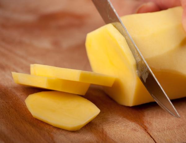 Remedios caseros para curar quemaduras - Patata cruda
