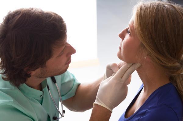 Cómo saber si tengo la tiroides inflamada - Qué hacer si tengo la tiroides inflamada