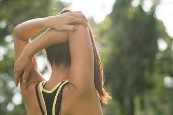 Cómo quitar una contractura en la espalda - Cómo prevenir una contractura en la espalda