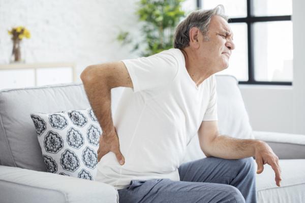 Cómo quitar una contractura en la espalda - Contractura en la espalda: síntomas