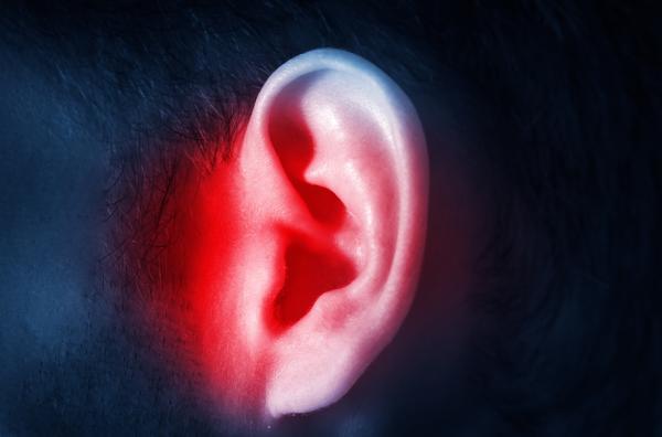 Mocos en el oído: síntomas y cómo eliminarlos