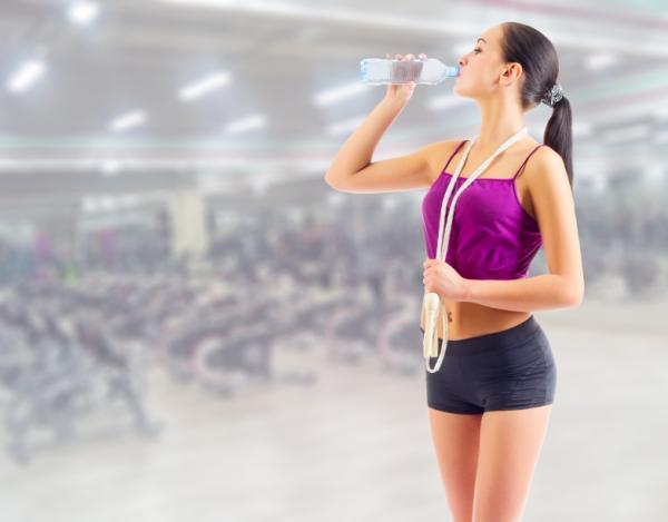Por qué cuando hago ejercicio me mareo - Dolor de cabeza y mareo al hacer ejercicio por deshidratación
