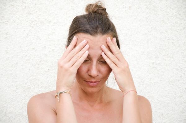 Siento calor en la cabeza: causas y tratamiento