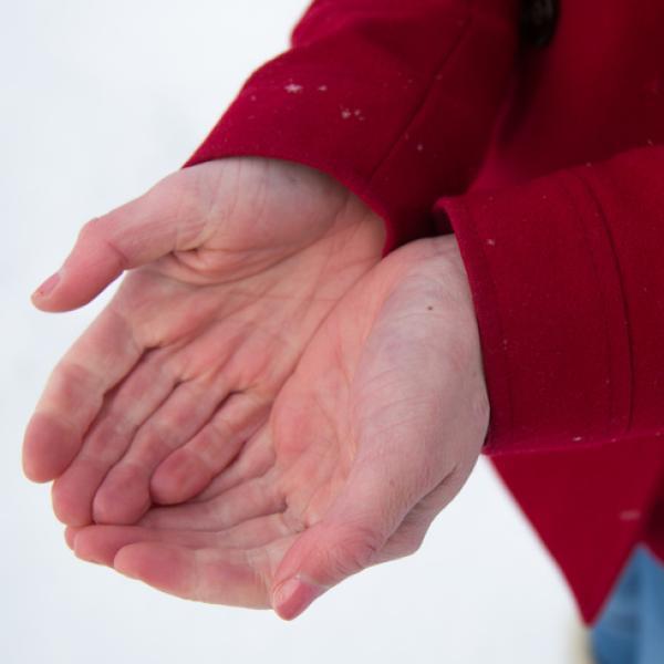 si me pica la palma dela mano izquierda