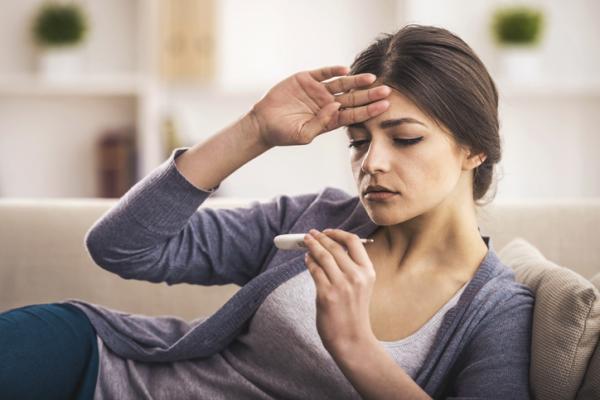 Sensación de calor en el cuerpo: causas y tratamiento - Fiebre
