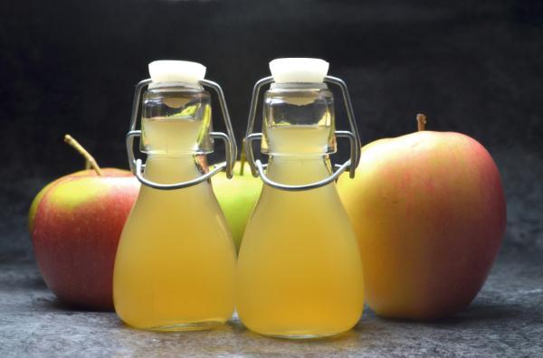 Remedios caseros para la acidez en el embarazo - El vinagre de manzana, otra opción para calmar la acidez