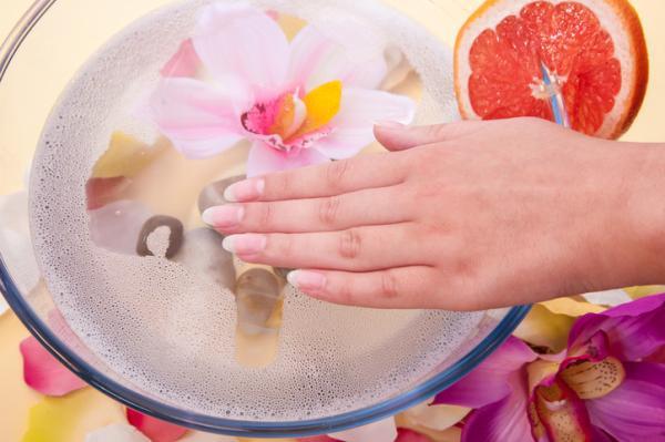 Cómo endurecer las uñas y hacerlas crecer