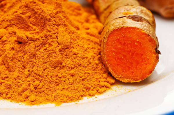 Los 10 mejores analgésicos naturales - Cúrcuma, antiinflamatorio natural potente