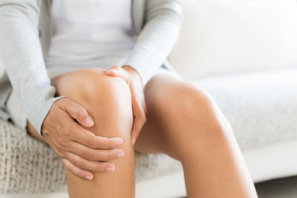 Dolor de rodilla al subir escaleras: causas y tratamiento - Condromalacia rotuliana