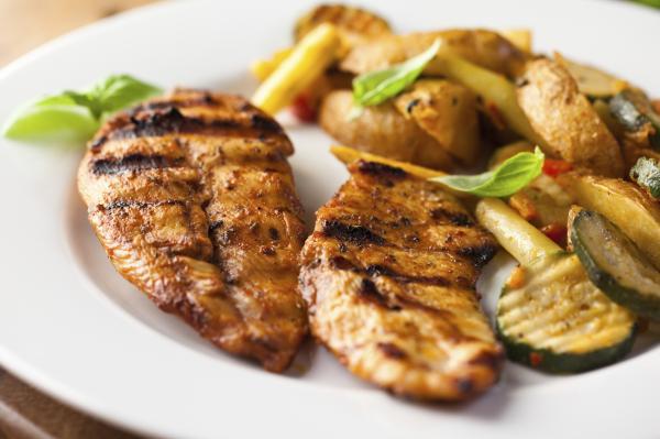 Los alimentos con menos grasa - Carnes magras: aportan vitaminas importantes
