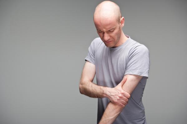 dolor muscular fuerte en el brazo