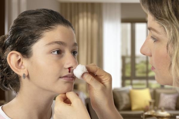Cómo curar heridas en la nariz