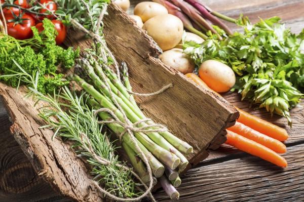 Alimentos ricos en colágeno natural - Verduras de color verde