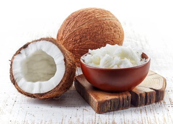 Beneficios del agua de coco para adelgazar - Receta para preparar agua de coco