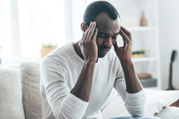 Sensación de pesadez en la cabeza: ¿A qué se debe?
