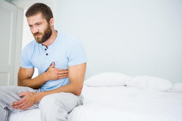 Calambres en el pecho: causas y tratamiento - Por qué dan calambres en el pecho: causas