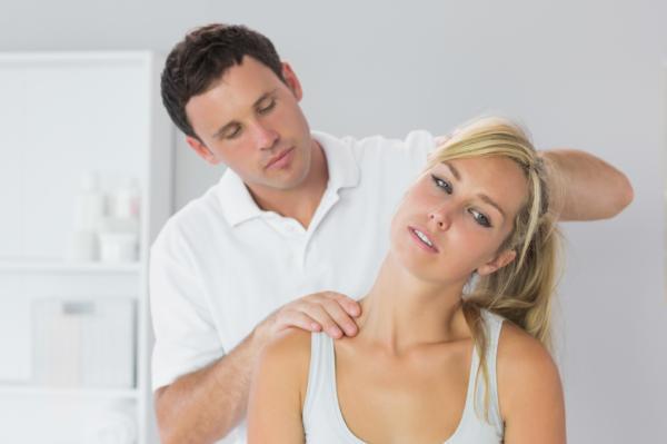 Dolor en el cuello lado derecho: causas y tratamiento - Dolor de cuello: tratamiento médico