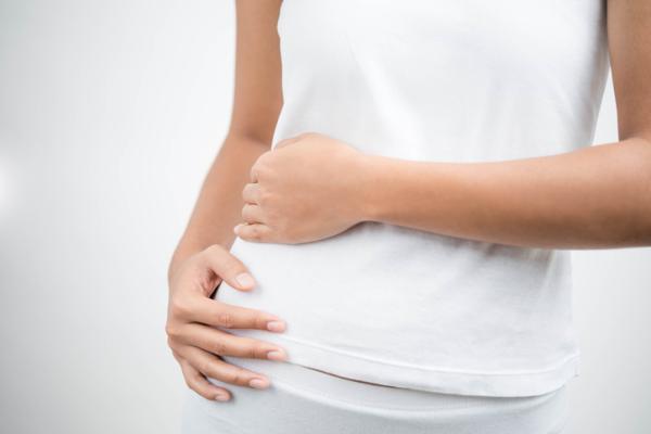 Causas del dolor abdominal del lado derecho - Dolor abdominal derecho y diarrea por intestino irritable
