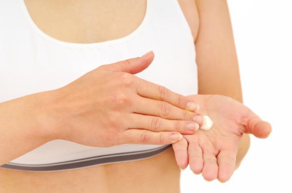 Dermatitis en las manos: causas, tratamiento y remedios caseros - Tratamiento para la dermatitis en las manos