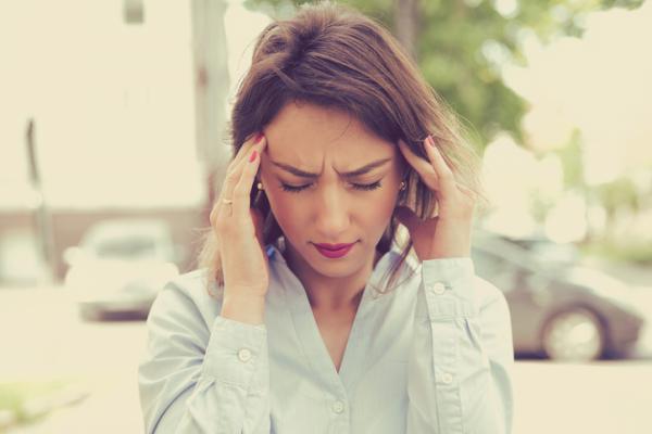 Tengo zumbidos en los oídos y presión en la cabeza
