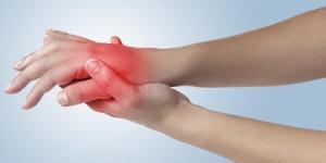 ¿Es normal tener calambres en las manos durante el embarazo?