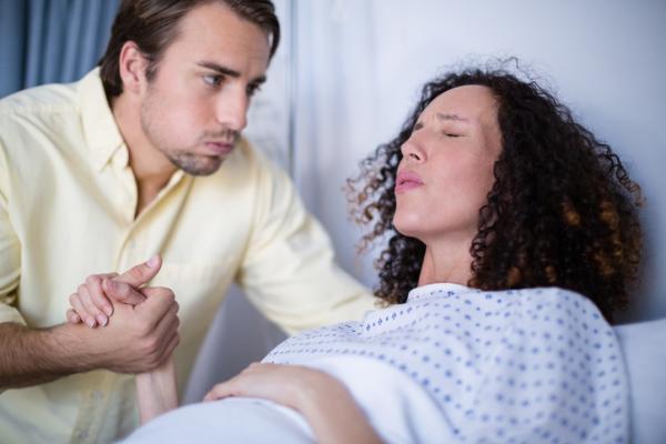 Posibilidades de embarazo con útero caído - Causas del útero caído