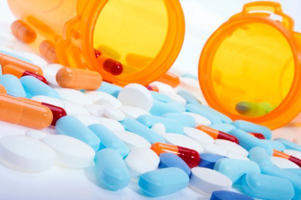 ¿Puedo tomar aspirina si estoy tomando antibiótico? - Aspirina y antibióticos: compatibilidad