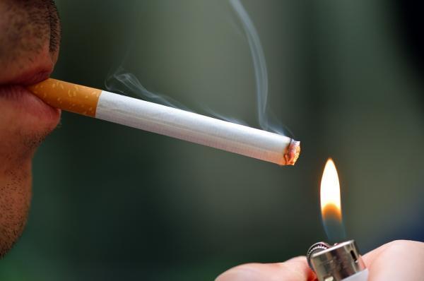 ¿Puedo fumar si me sacaron una muela del juicio? - ¿Puedo fumar si me han sacado una muela del juicio?