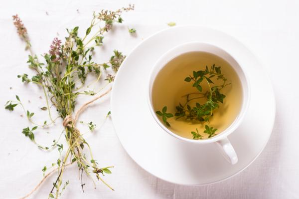 Tomillo para la tos: beneficios y cómo prepararlo