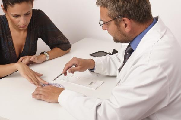 Por qué cuando me viene la regla me duele mucho el vientre - Cuándo acudir a un médico por dolor de vientre durante la regla