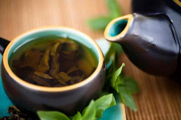 Cómo tomar té verde para adelgazar el abdomen - Cómo tomar té verde para conseguir un abdomen plano