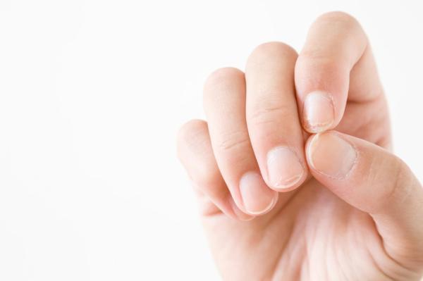 Descamación de las uñas: causas y tratamiento