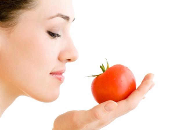 10 alimentos antiedad para mantenerse joven - Tomate, gran antioxidante natural