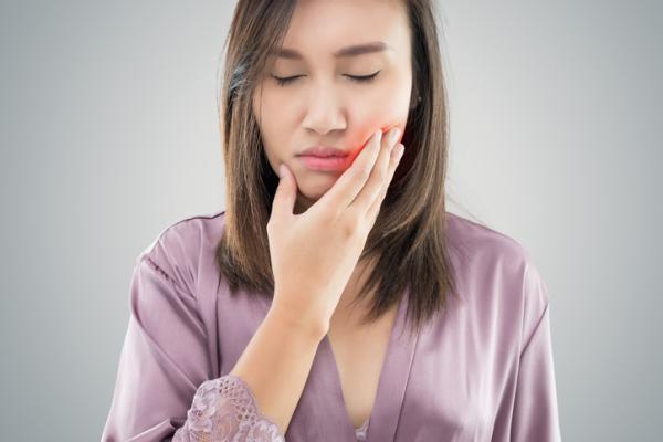 Cómo bajar la hinchazón de la cara