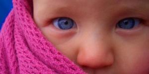 Cómo mantener la habitación del bebé caliente en invierno
