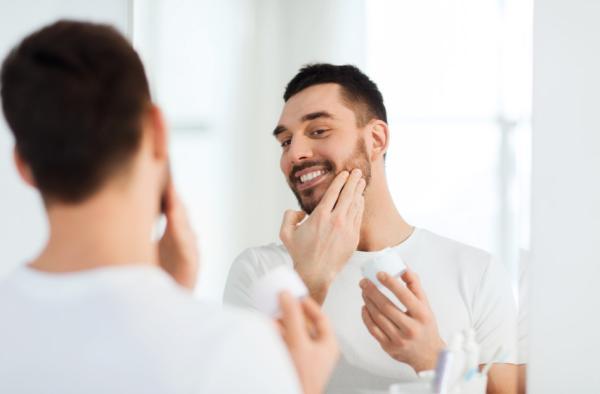 Cómo hidratar la piel debajo de la barba - Aceite para barba, ideal para evitar la caspa