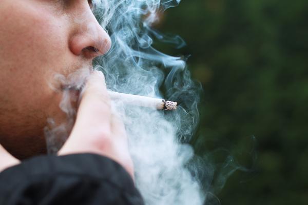 ¿Puedo fumar si tengo bronquitis? - Fumar y su efecto en la inflamación de los bronquios