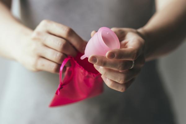 Cómo hacer que la regla dure menos - Qué hacer en caso de menstruación abundante