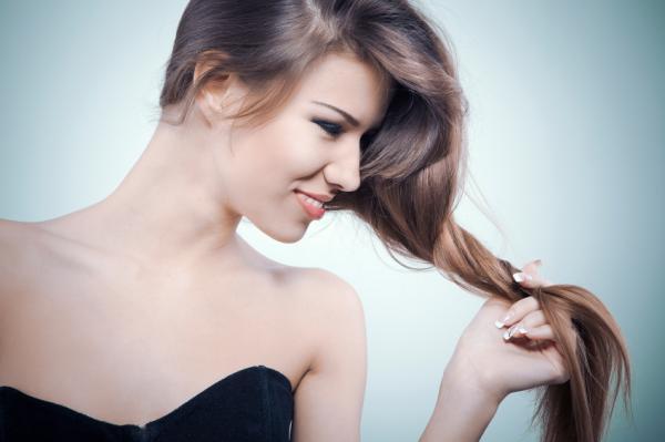 Glicerina para el cabello: beneficios y cómo usarla