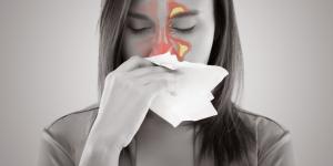 Síntomas de senos paranasales inflamados