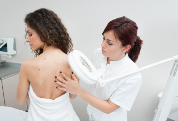 Manchas rojas en la piel que pican: causas y tratamiento - Manchas en la piel que pican: tratamiento