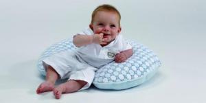 Pecas y lunares en los bebés: detectarlos y qué hacer