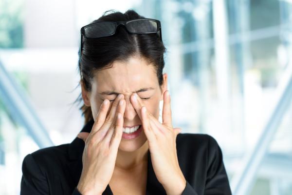 Ardor en los ojos: causas y tratamiento - Escozor en los ojos por resequedad