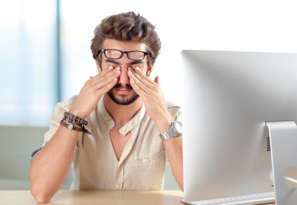Ardor en los ojos: causas y tratamiento - Picor de ojos por cansancio
