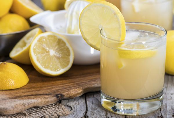 Frutas que contienen hierro para la anemia - Limón, rico en vitamina C y hierro