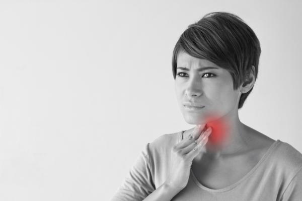 Por qué me cuesta tragar la saliva - Dificultad para tragar saliva por irritación