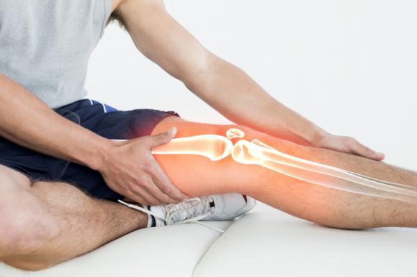 me duele la rodilla al flexionar